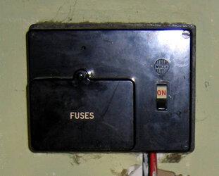 Garage type fuse box.jpg