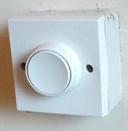 hall-light-switch-400.jpg