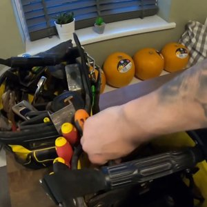 Inside an Electricians tool bag,Tool box tour, Exotic life of an electrician
