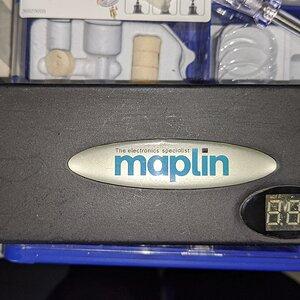 MaplinUniversal Adaptor FRONT.jpg